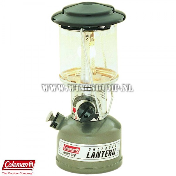Coleman lamp Compact