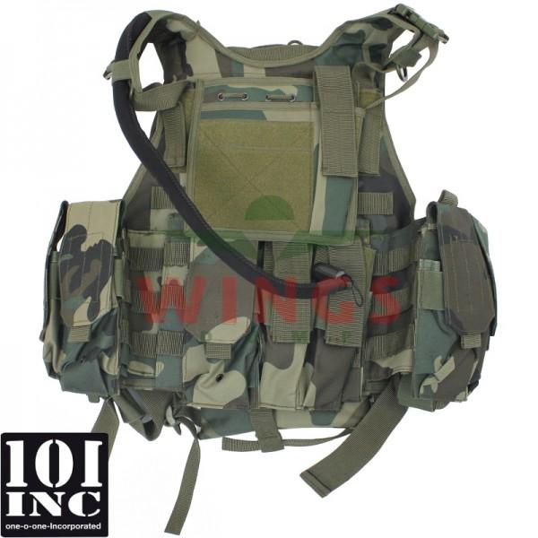 Tactical vest 101Inc. Titan hydro woodland camo